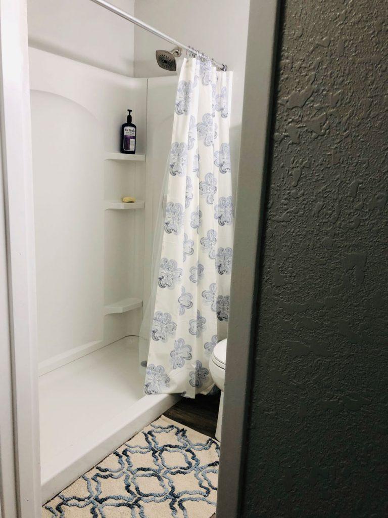 East Ridge Residence | Shower