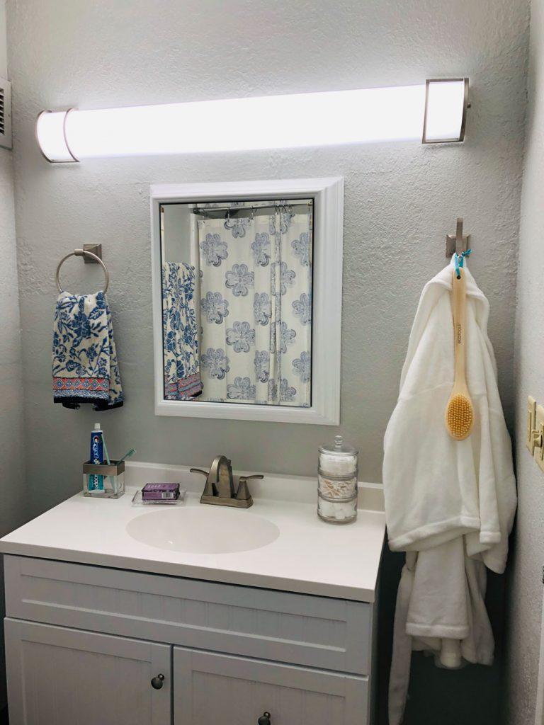 East Ridge Residence | Bathroom